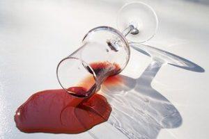Razlito vino